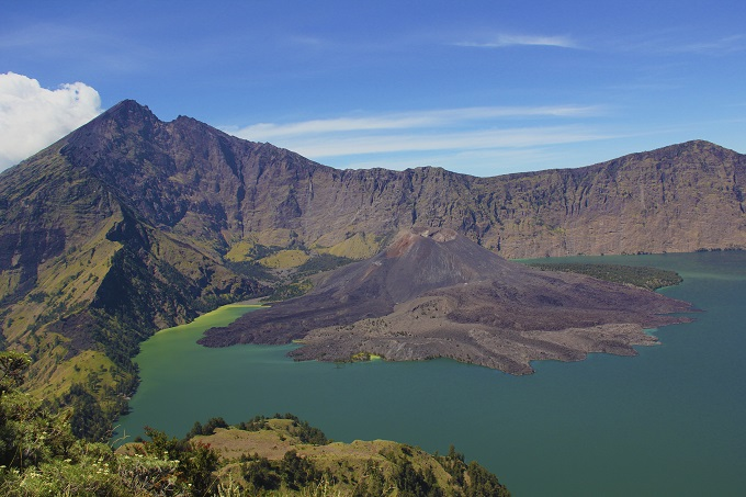 Volcanic Baru Jari and mountains of Mount Rinjani