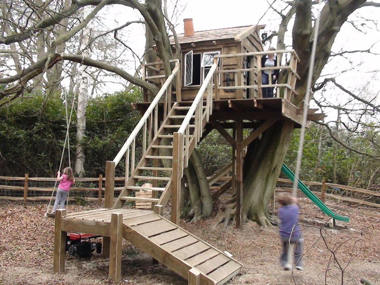 30-wonderful-tree-houses-for-children-11