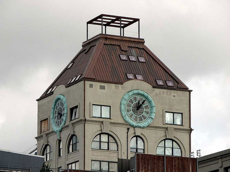The-Clock-Tower-Transformed-Into-a-Fantastic-House-1
