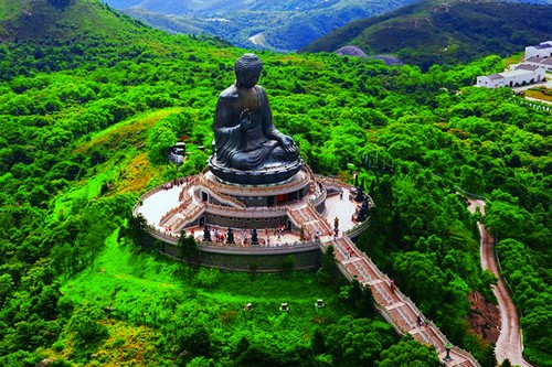 8 Tian Tan Buddha On Lantau Island
