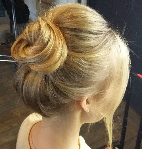 11-top-knot-for-fine-hair