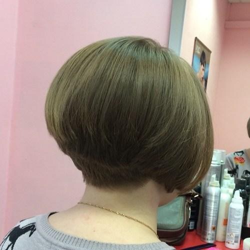 12-short-stacked-bob-haircut