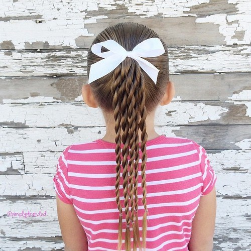 13-toddler-girl-ponytail-hairstyle-with-twists