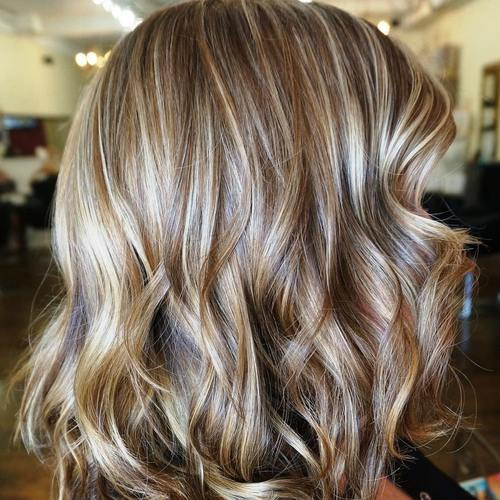 14-medium-brown-hairstyle-with-caramel-and-blonde-highlights
