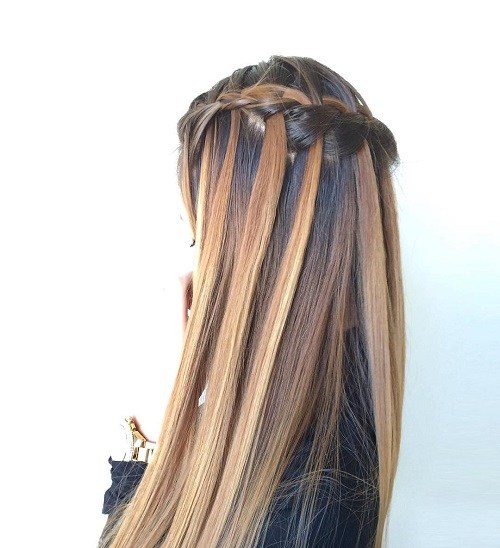 18-brown-and-caramel-waterfall-braid-hairstyle