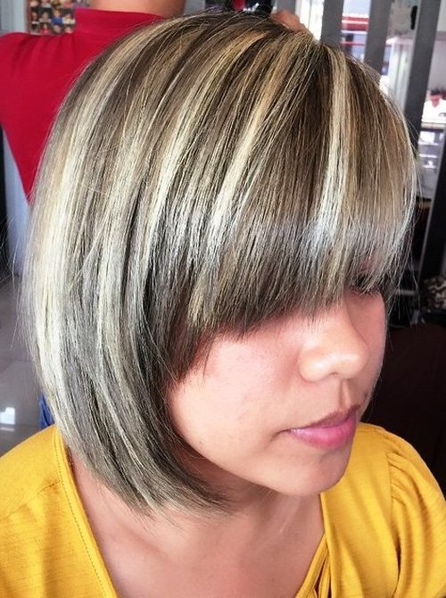 19-brown-bob-with-blonde-highlights