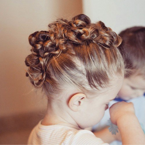 20-toddler-knotted-mohawk-updo