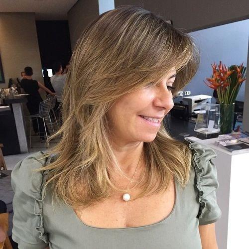 4-layered-haircut-for-medium-hair
