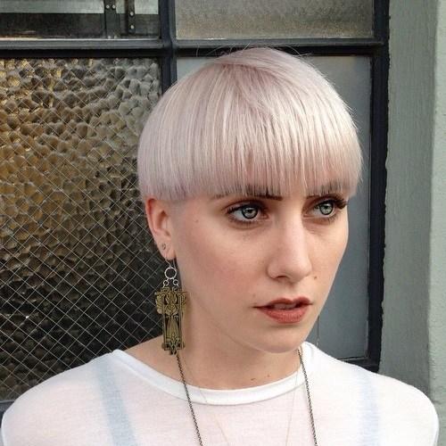 1-ash-blonde-bowl-cut