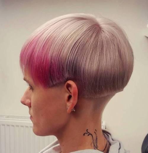 12-short-flaxen-blonde-hair-with-pink-balayage
