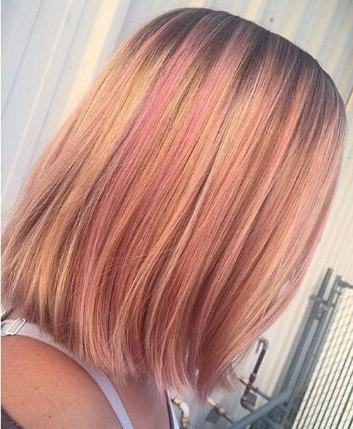 19-strawberry-blonde-bob-with-pastel-pink-highlights