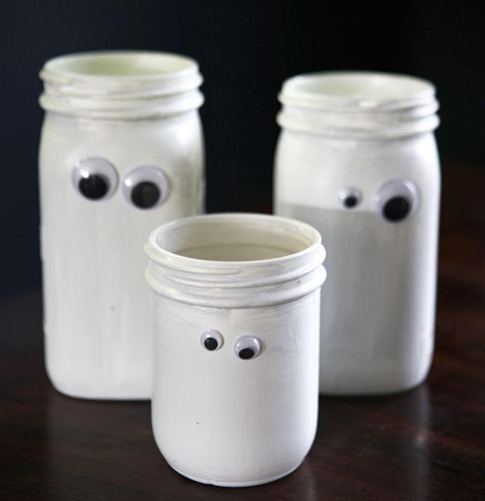 26 Halloween Ghost Jars