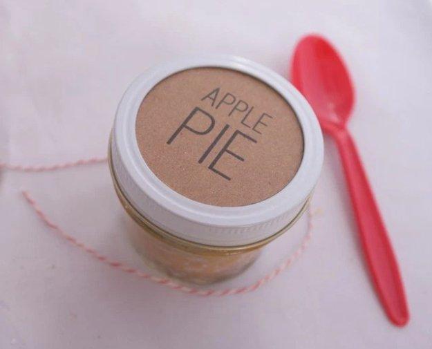 DIY Canning Jar Pie|23 DIY Crafts With Mini Mason Jars