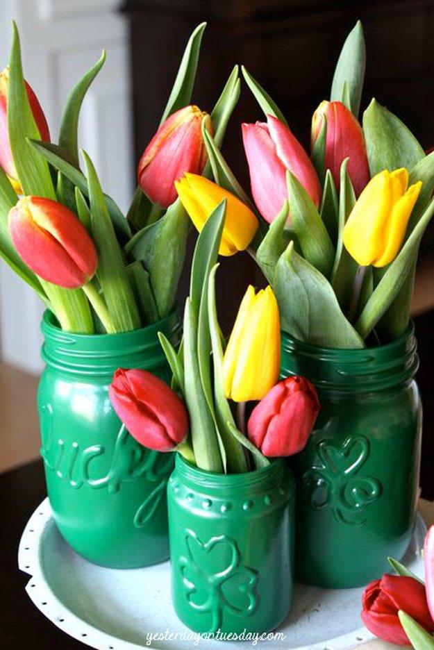 St.Pat Magic Vases|23 DIY Crafts With Mini Mason Jars