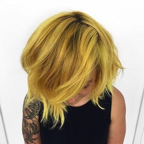 11-short-layered-golden-blonde-hairstyle