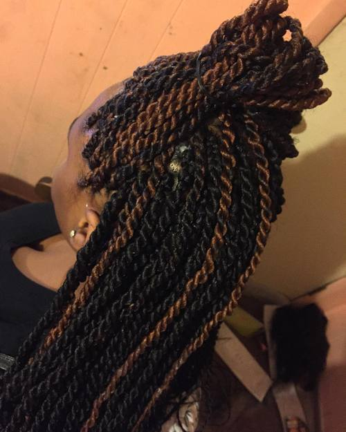19-simple-half-up-hairstyle-for-Senegalese-twists
