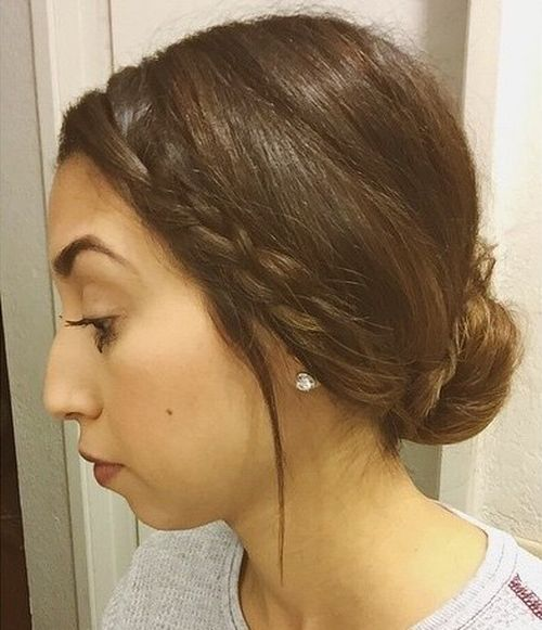 2-simple-low-bun-with-a-side-braid