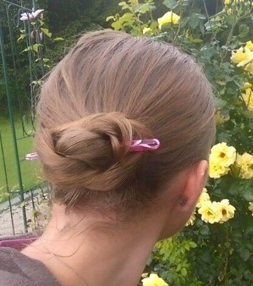 20-casual-bun-for-shorter-hair