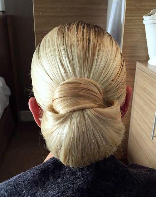 6-chic-blonde-chignon