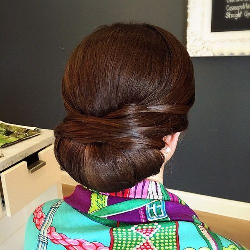 7-low-roll-chignon