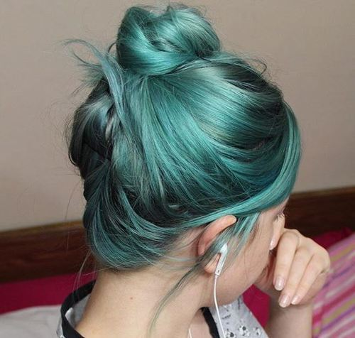 8-teal-hair-color-and-messy-bun-for-short-hair