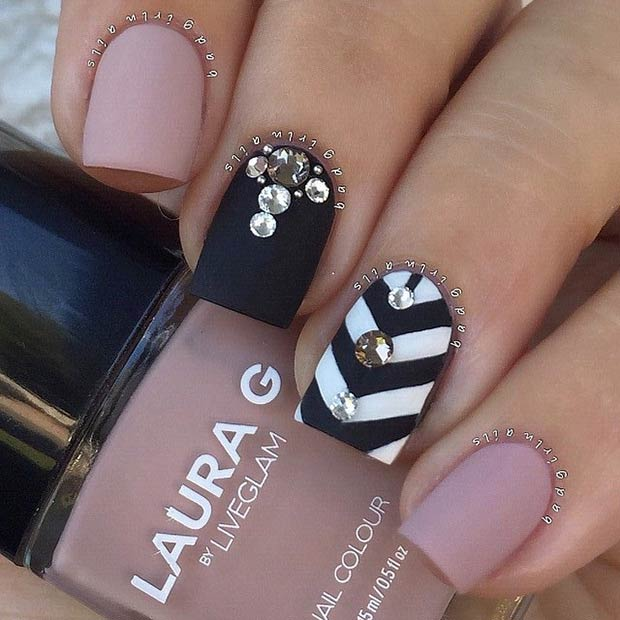 1 Chevron Accent Nail