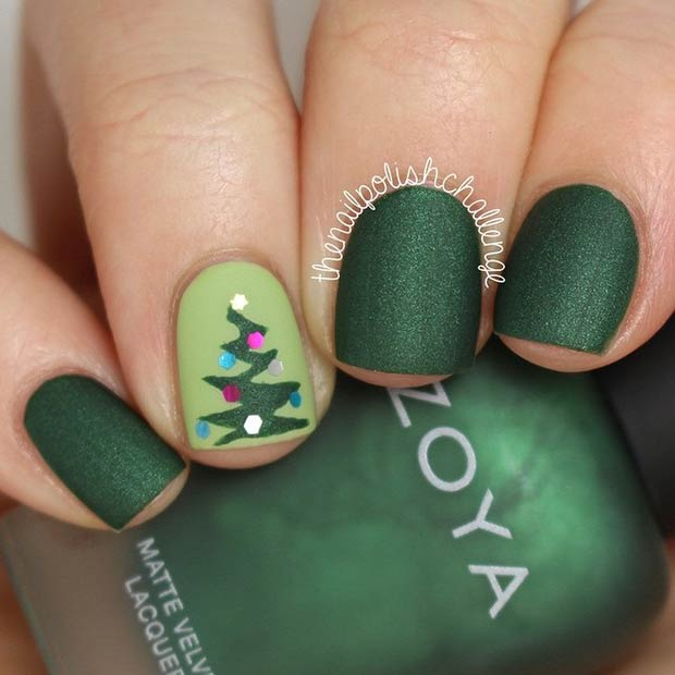 31 christmas nail art design ideas page 11 foliver blog 11 matte christmas manicure solutioingenieria Gallery