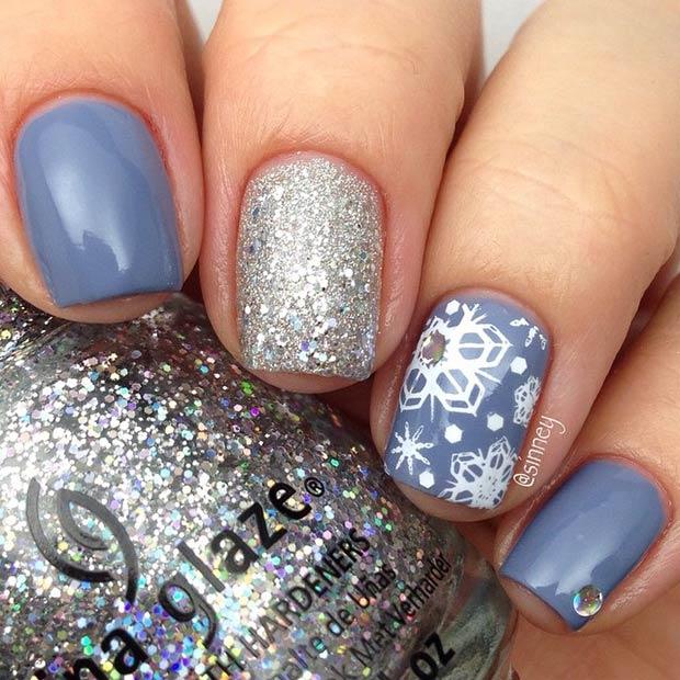 2 Snowflake Accent Nail