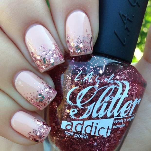 36 Rose Gold Glitter Ombre Nail Design - 55 Super Easy Nail Designs – Page 36 – Foliver Blog