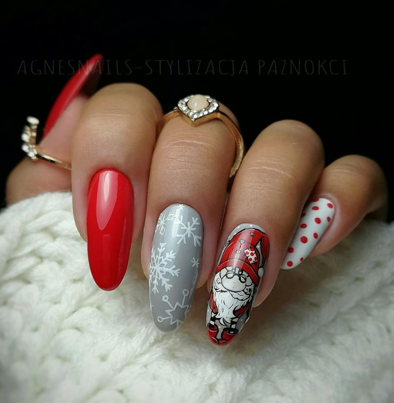 37 Christmas Nail Art Designs