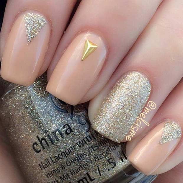 8 Simple Peach and Gold Nail Design - 55 Super Easy Nail Designs – Page 8 – Foliver Blog