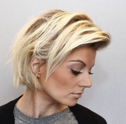 12 messy blonde bob