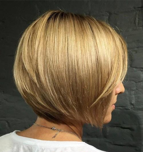 40 Short Bob Hairstyles Layered Stacked Wavy And Angled