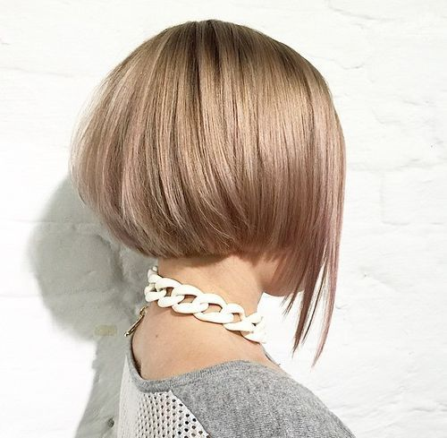 3 layered short bob with elongated front piece