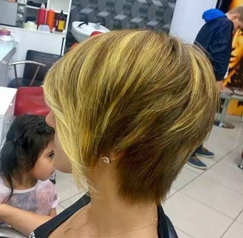 37 asymmetrical short bob haircut