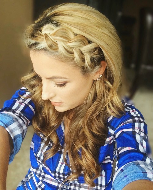 38 braided bang hairstyle with curls
