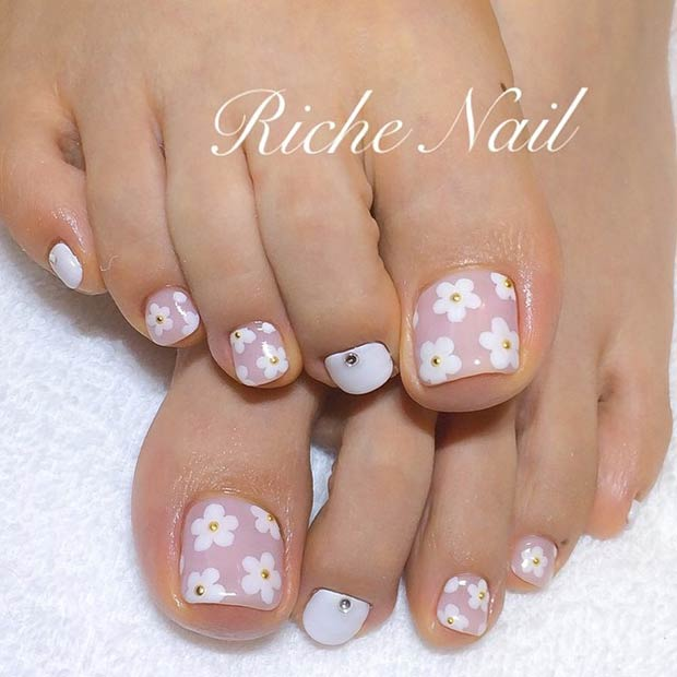31 Adorable Toe Nail Designs For This Summer Page 4 Foliver Blog