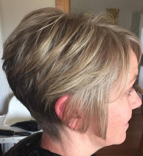 40 Short Bob Hairstyles Layered Stacked Wavy And Angled Bob Cuts