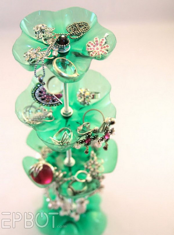 1 Platic Bottle Recycled Jewelry Stand