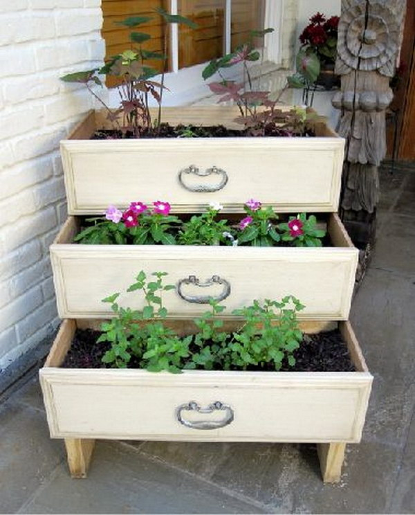 17 Repurposed Old Dresser Drawer Vertical Garden Planter