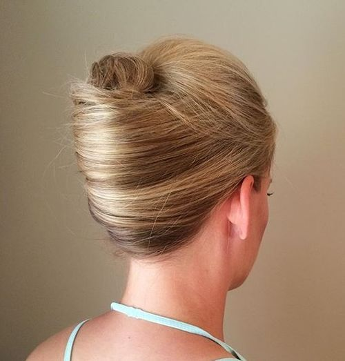 40 Stylish French Twist Updos Hairstyles – Page 17