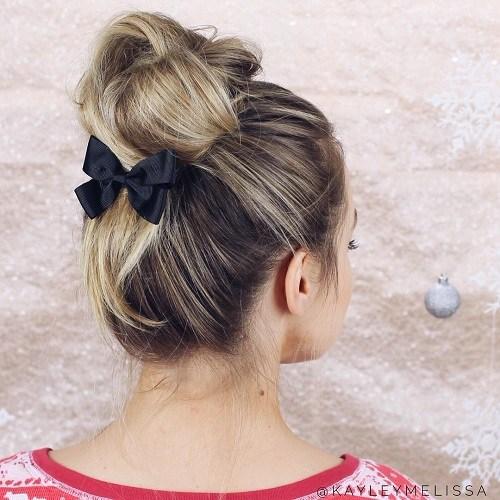5 casual bun with a bow