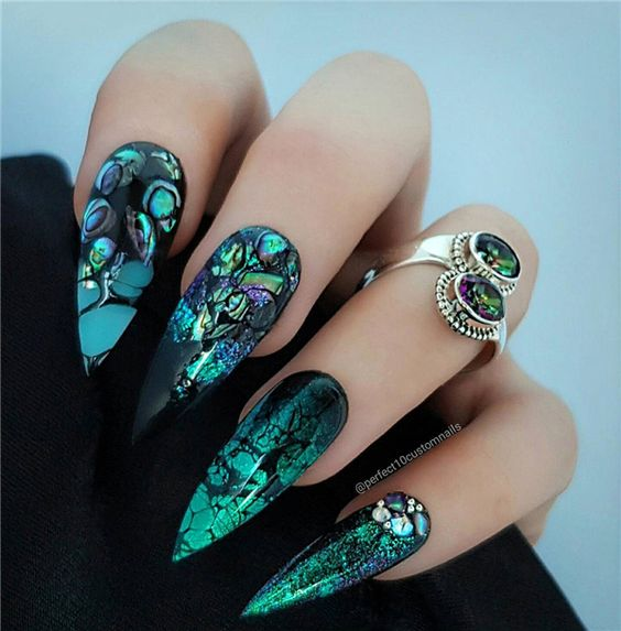53 Creative Stiletto Nail Art Designs; Short stiletto nails;Long stiletto nails; glitter stiletto nail art ideas; classy stiletto nail designs; matte acrylic nails.