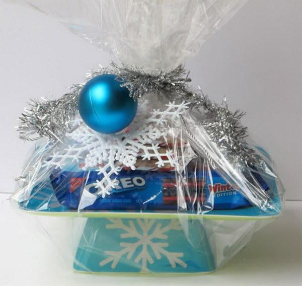 10 Cake Stand Secret Santa Gift