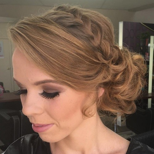 15 curly side bun hairstyle