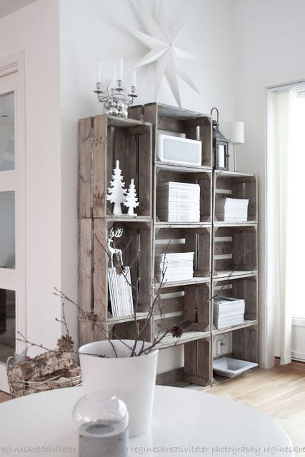 18 Stacked Crate Bookshelves