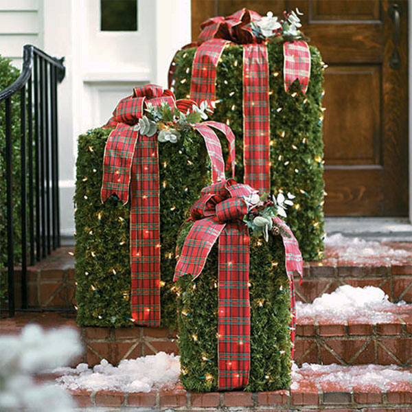 19 DIY Greenery Boxes with Lights and Plaid Bows