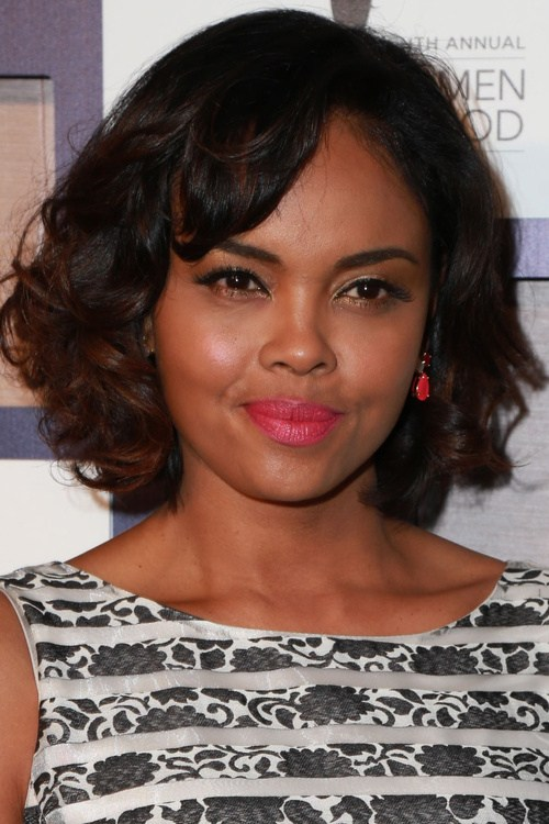 23-short-hair-with-bangs–-curly-a-line-bob