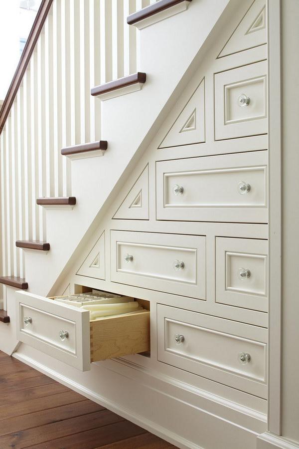 25 Hidden Stair Storage