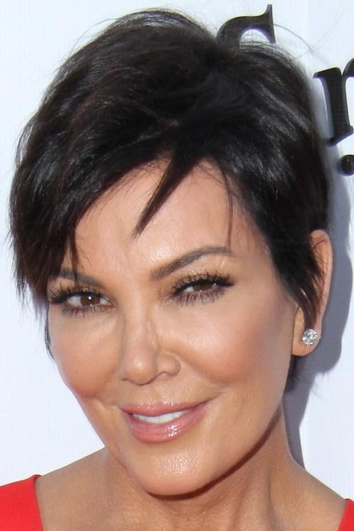 29 short hair with angled bangs